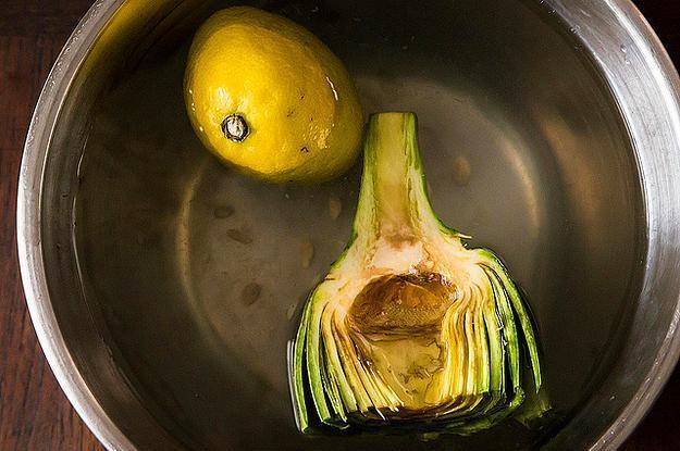 Pişirene kadar limonlu suda bekletmeyi unutmayın.