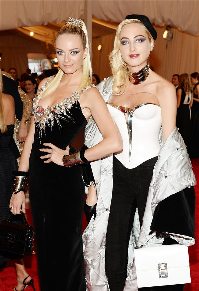 Virginie and Claire Courtin-Clarins   Moda Kanalları Editörü: Duygu ÇELİKKOL
