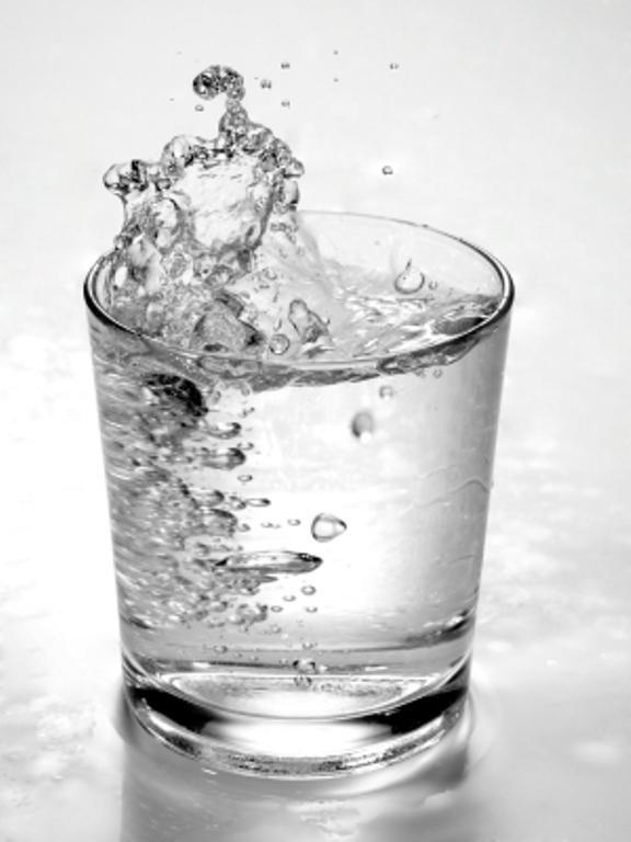 Maden suyu  Mide asidinin büyük bir bölümünü etkisiz hale getiriyor.