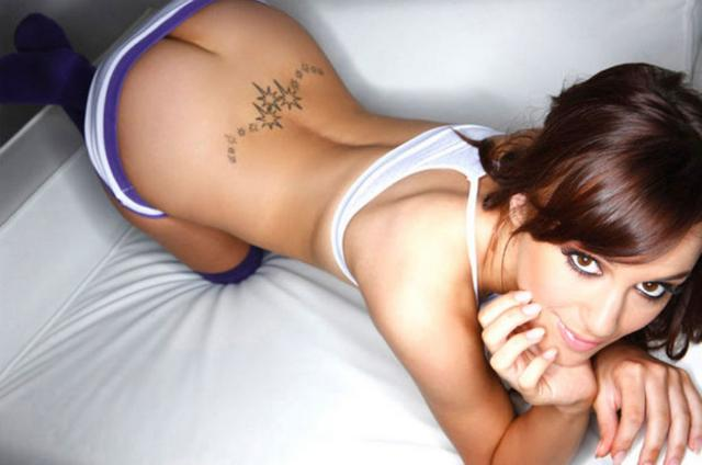 Rosie Jones - 23