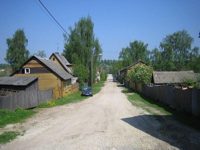 Supilinn-Estonya  Çorba Şehri takma adını almış bu şehir, patates, bezelye ve fasulye gibi sokak isimleriyle dikkat çeker. Bu zamanın içinde donmuş gibi görünen şehir, aslında Tartu isimli şehrin bir dış mahallesidir. Tahtadan derme çatma evleri 19. yüzyılda yapılmış gibi görünür.