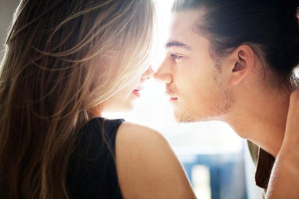 8- VİCDANİ   Pek de çekici bulunmayan ancak bir tür acıma duyulan biriyle yapılan sekstir. Karşısındaki kadına veya erkeğe yıllardır hayran olan ve o tutkuyu yaşamak için yalvaran gözlerle bakan, köpeği öldüğü için morale ihtiyaç duyan, sevgilisi tarafından aldatılan, uzun zamandır seks yapmayan veya 30 yaşında hâlâ bakire olan biri bu modeldeki potansiyel partnerdir. Acıyan taraf için büyük ihtimalle fiziksel değil, duygusal tatmin söz konusu olur.