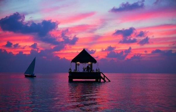 Maldivler'de bu bungalovda...