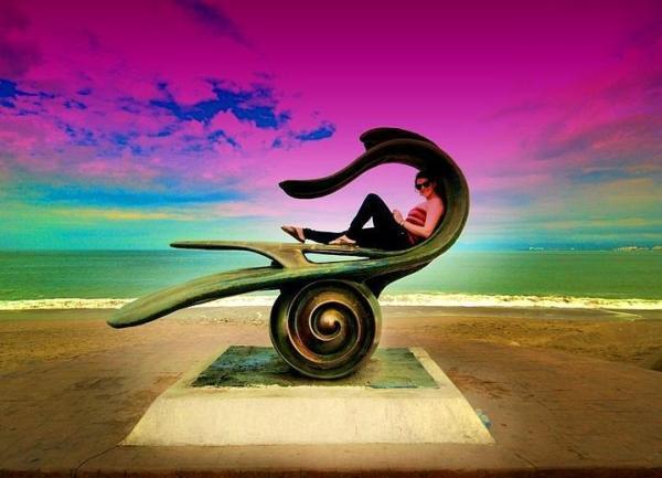 Meksika'da bu modern heykelin üzerinde...