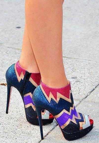 Simli rengarenk ayakkabı