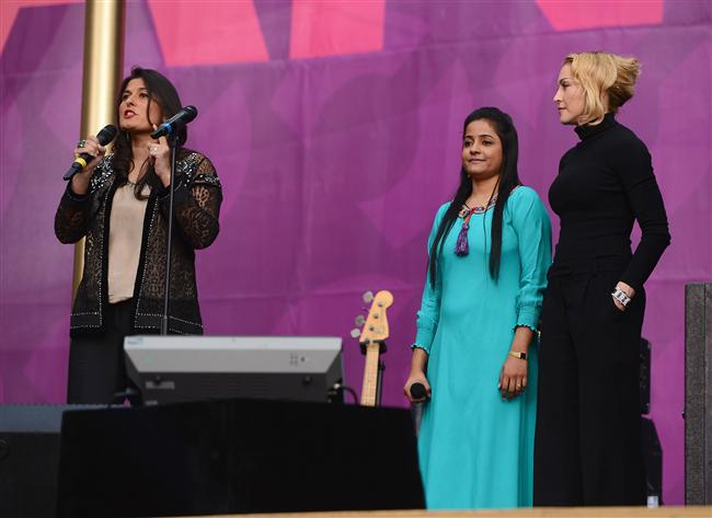 Sharmeen Obaid-Chinoy, Humaira Bachal ve şarkıcı Madonna
