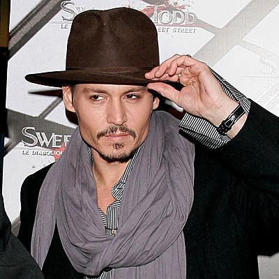 Fötr şapka    1930'lu yılların aksesuarı, Humbhrey Borgart'ın Casablanca filminde olduğu gibi, 'fedora' yani fötr şapkalar yeni sezonda da moda. (James Lock & Co)