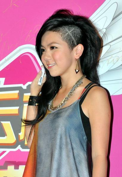 Şarkıcı G.E.M Tang Zhi-kei