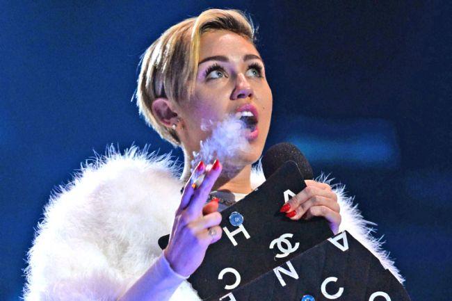 Miley Cyrus son klibiyle olay yarattı - 4