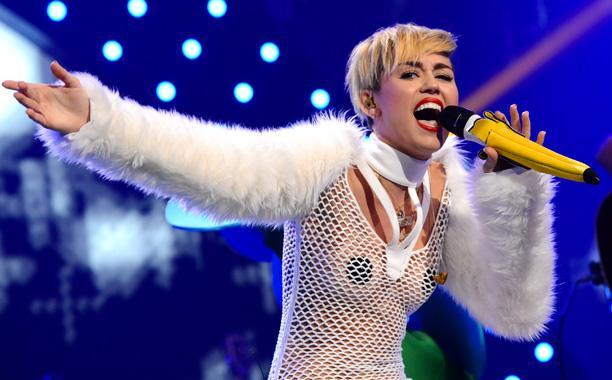 Miley Cyrus son klibiyle olay yarattı - 20