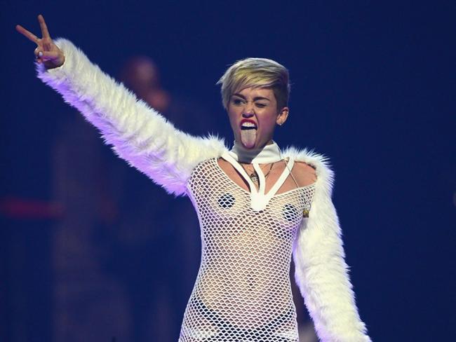 Miley Cyrus son klibiyle olay yarattı - 28