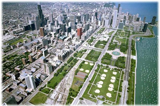 Chicago, Grant Park  1,29 km karelik bir alana kurulmuş olan Grant Park'ın adı 1844 yılında Lake Park olarak biliniyordu; ancak 1901 yılında Amerikan Sivil Savaşı'nı yöneten ve ABD'nin başkanı olan Ulysses S. Grant'ın adı parka verildi.