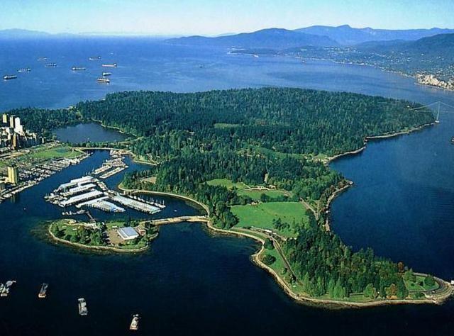 Vancouver, Stanley Park  4,04 km karelik bir alana kurulmuş olan Stanley Park, New York'taki Central Park'tan %10 kadar daha büyük. Park 1888 yılında Lord Stanley of Preston adına açıldı ve yılda ortalama olarak 8 milyon ziyaretçi parkı görmek için Vancouver'a geliyor.