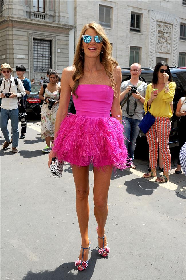 Bu haftanın en başarılı elbiseleri ile en iyi giyinen ünlülerini sizin için derledik. İşte bu haftanın tarz sahibi ünlüleri...   Anna Dello Russo  Moda Kanalları Editörü: Duygu ÇELİKKOL