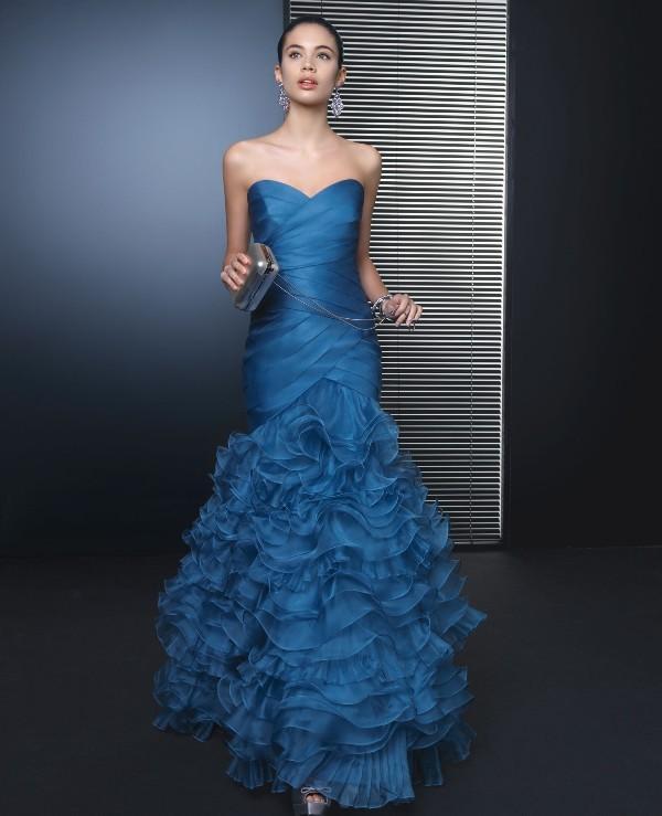 Mavi nişan elbisesi