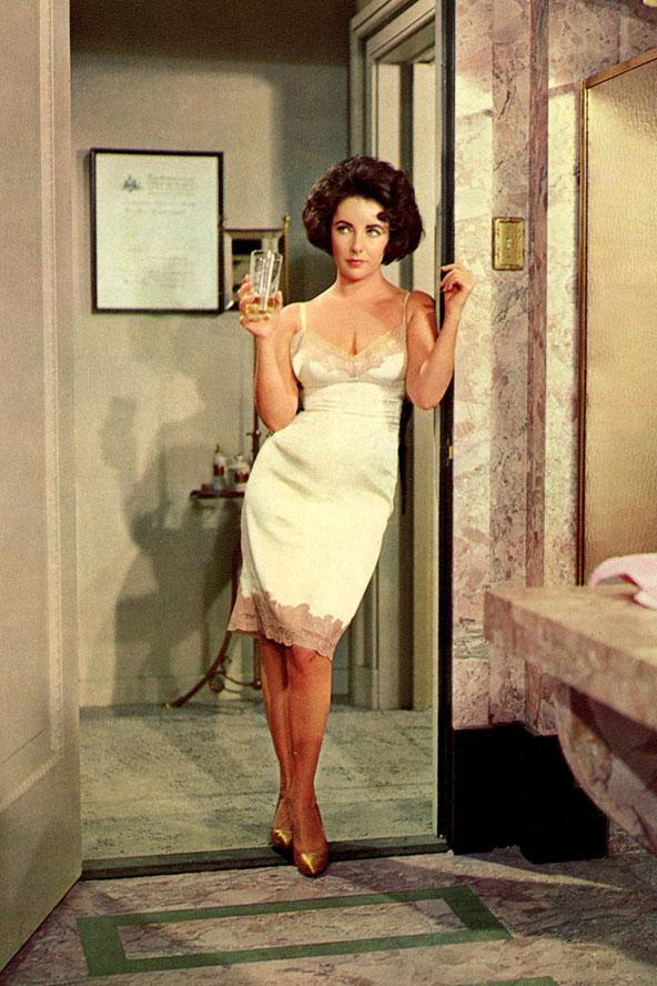 Fotoğraf 1960 yılında Elizabeth Taylor'ın Oscar kazandığı film olan Butterfield'ın setinde çekilmiş.