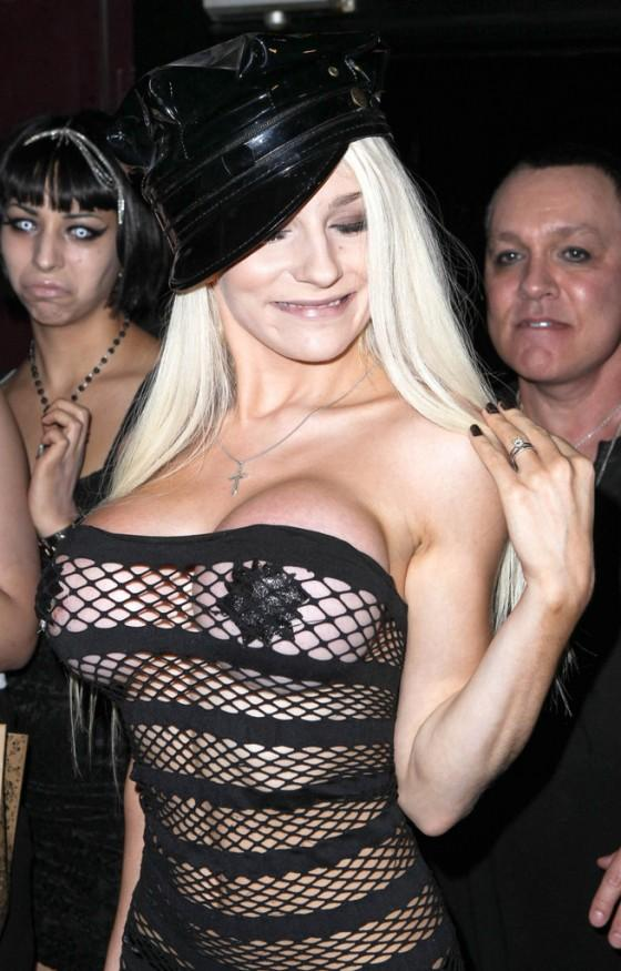 Courtney Stodden - 27