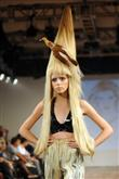 Podyumların en tuhaf saç modelleri - 12