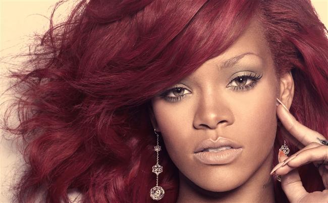 5. Rihanna (25)