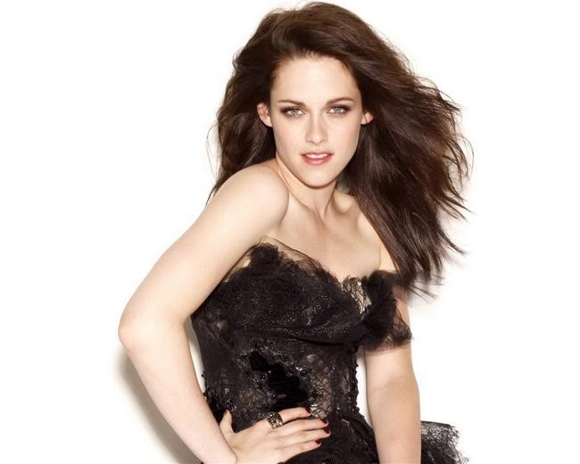 9. Kristen Stewart (23)