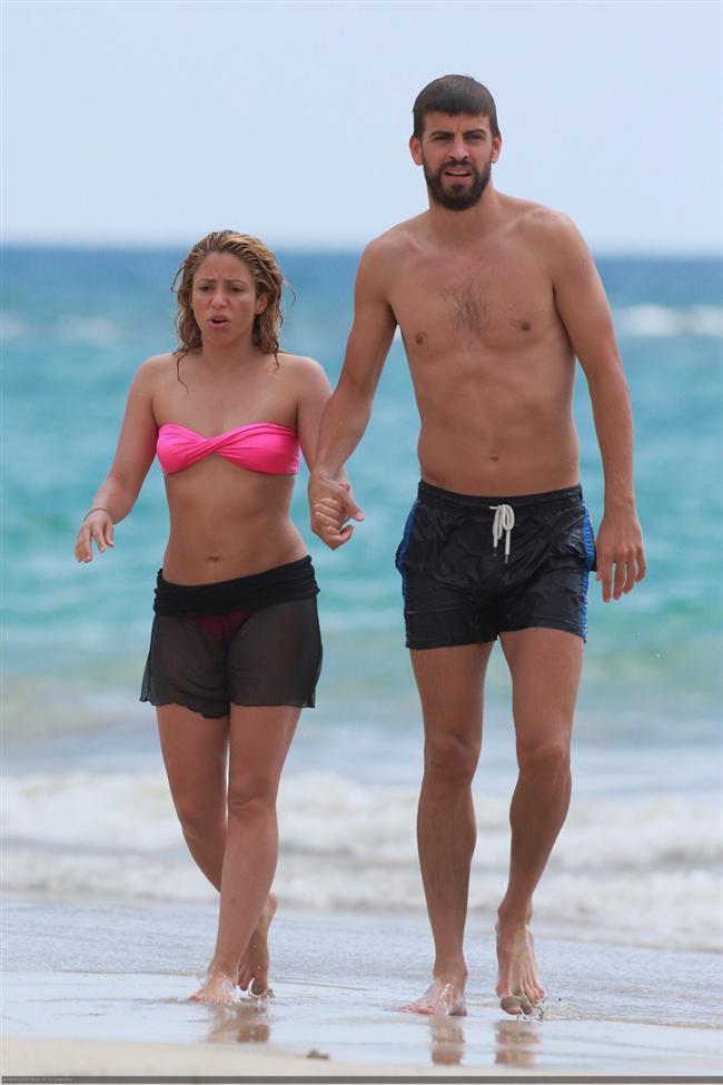 Shakira ve Gerard Pique tatilde - 14