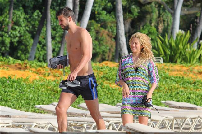 Shakira ve Gerard Pique tatilde - 16
