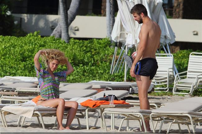 Shakira ve Gerard Pique tatilde - 17
