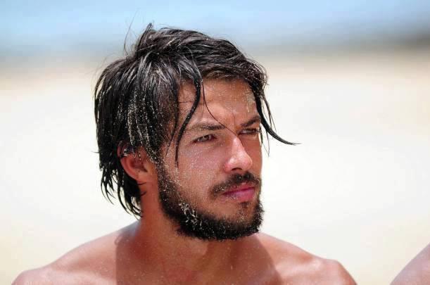 Yarışmanın ardından Hilmi Cem'in sakallarını kesmemesi de bu iddiayı güçlendiren tezler arasında.