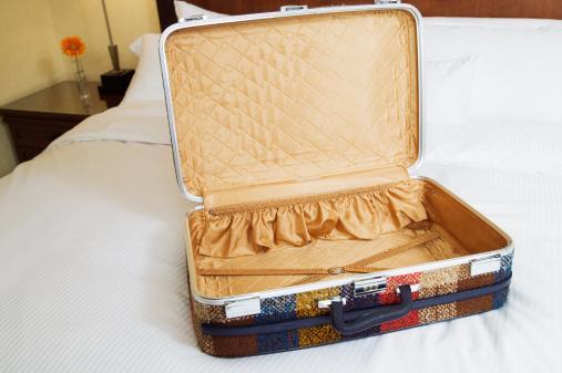 Giysilerinizin temiz kokmasını istiyorsanız valizin içine bir kağıt mendil koyun.