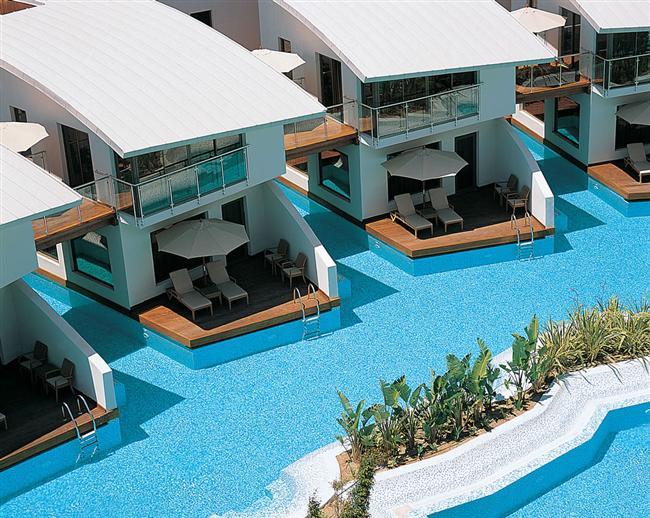 Cornelia Diamond Golf Resort Spa'da keyifli tatil   Antalya Belek'te konumlanan Cornelia Diamond Golf Resort Spa., sizi çepeçevre saran havuzları; vücudunuzu dinlendirirken ruhunuzu yenileyen yüzlerce masaj, cilt bakımı ve vücut terapileri; odanızdan havuza girebileceğiniz Göl Evleri Odaları; Azure Villaları ve 9 A'La Carte Restorantı, 27 delikli Cornelia Golf Club Nick Faldo Championship Golf sahası ile her anı keyifle yaşamanız için tasarlanmış bir tatil fırsatını sunuyor.