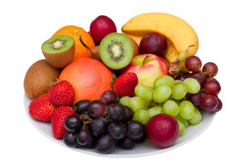 Meyveler  Günde en az iki porsiyon meyve tüketmeniz gerekiyor. Her meyvenin farklı vitaminler içerdiğini de göz ardı etmemelisiniz.