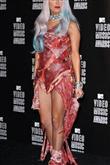 Lady Gaga ve çılgın kostümleri! - 12