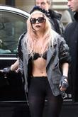 Lady Gaga ve çılgın kostümleri! - 27