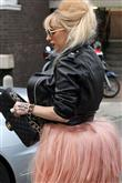 Lady Gaga ve çılgın kostümleri! - 38