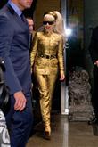 Lady Gaga ve çılgın kostümleri! - 41