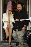 Lady Gaga ve çılgın kostümleri! - 42