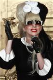 Lady Gaga ve çılgın kostümleri! - 47