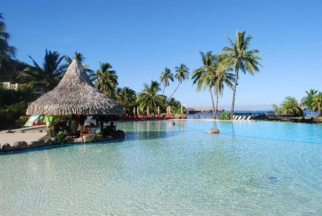 InterContinental Resort, Tahiti    Tahiti'deki InterContinental Resort, son anda evlenmektan vazgeçip balayını tek başına geçirmeye karar veren gelin adaylarının adresi. Eğer bu otele gitmeyi düşünüyorsanız, yanınıza erkek arkadaşınız hariç her şeyi alabilirsiniz. Aksi takdirde üstsüz dolaşan yakışıklı bellboyların dikkatini çekmeniz pek mümkün olmayabilir.
