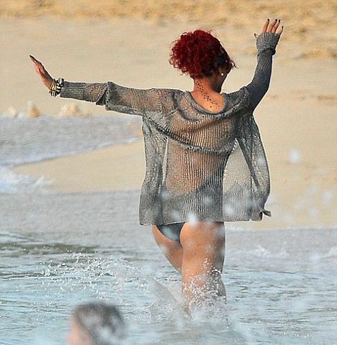Rihanna - 221