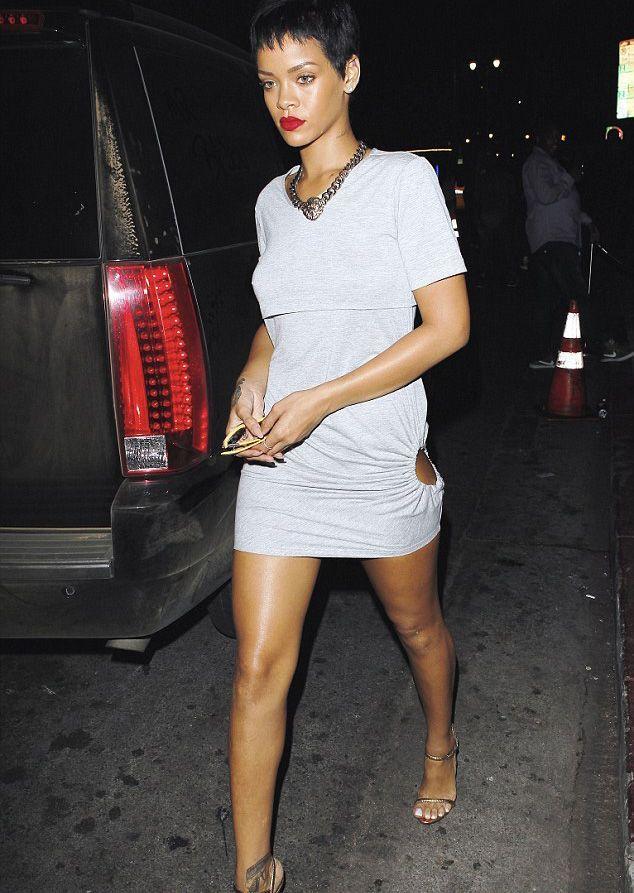 Rihanna - 30