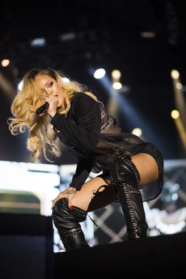 Rihanna - 34