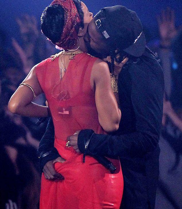 Rihanna - 49