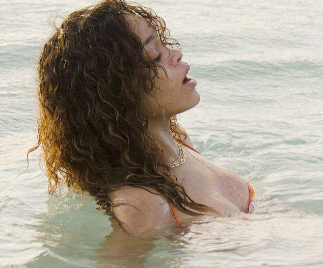 Rihanna - 246