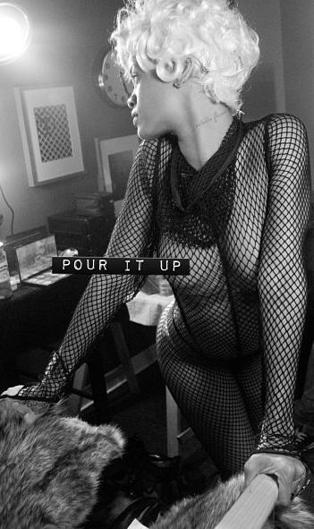 Rihanna - 325