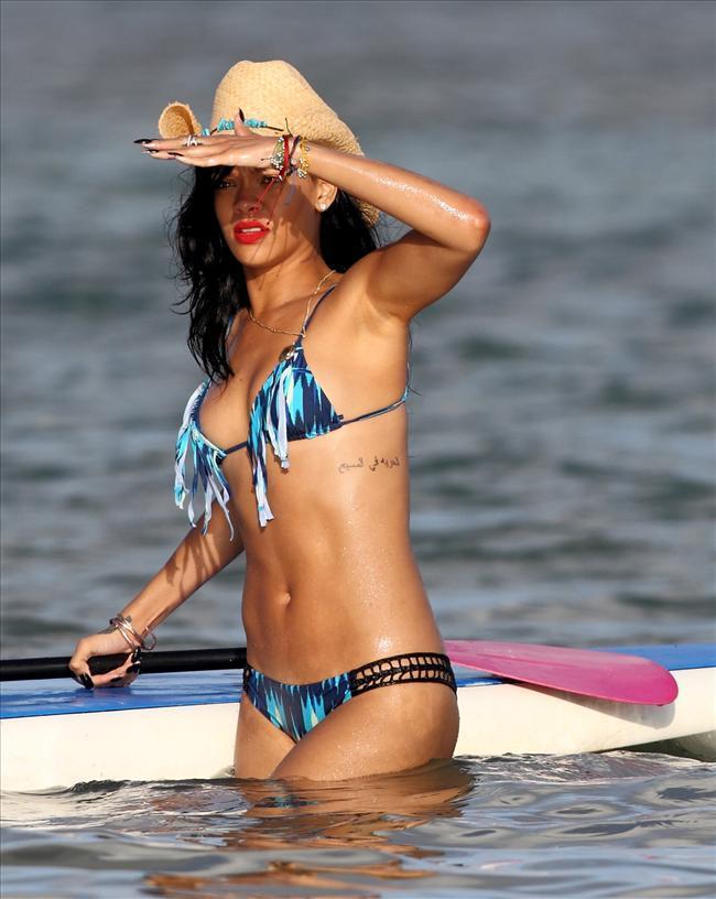 Rihanna - 158