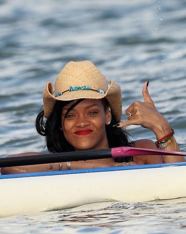 Rihanna - 162