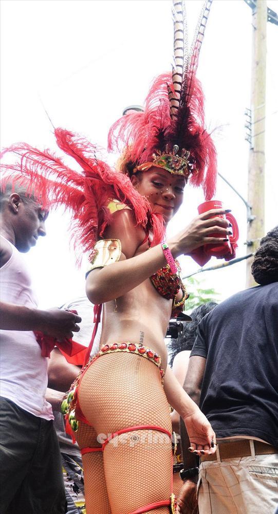 Rihanna - 309