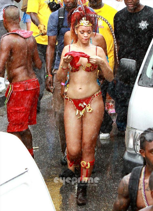 Rihanna - 310