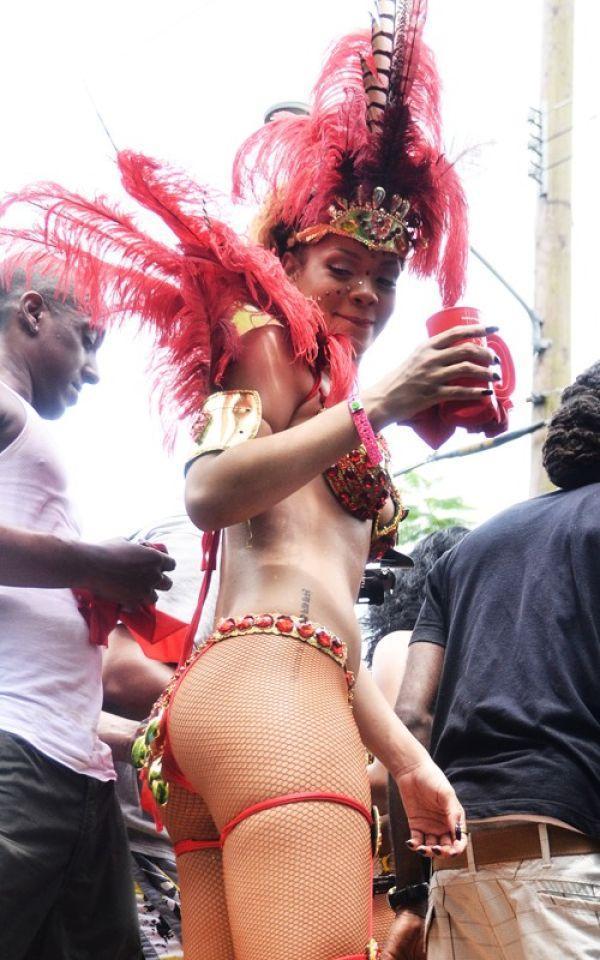 Rihanna - 317