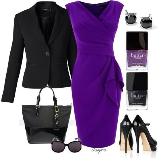 Mor elbisenizi, siyah aksesuarlarınızla tamamlayabilirsiniz. Bu kombinle çok asil ve şık görünebilirsiniz.